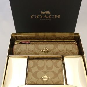 Coach Boxed Cosmetic Bag & Mirror Set